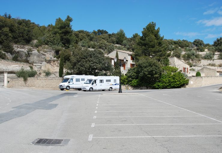 Aire de Camping-cars in Gordes